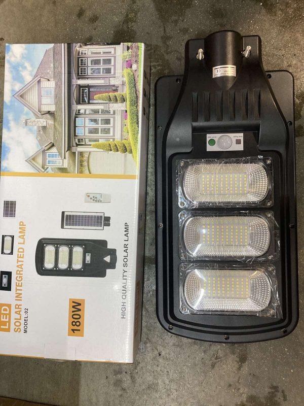 Соларна LED лампа със сензор за движение 180W